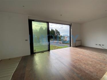 Villa V3 + 1 mit Garten und Schwimmbad in Aldoar