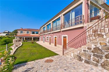 Quinta com piscina e Moradia de Luxo no Douro