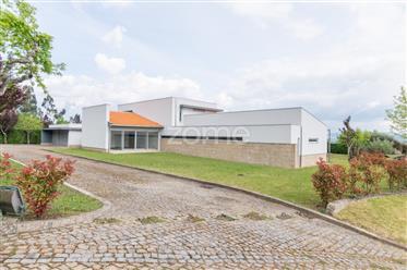 Quinta em Vila Nova de Sande, Guimarães