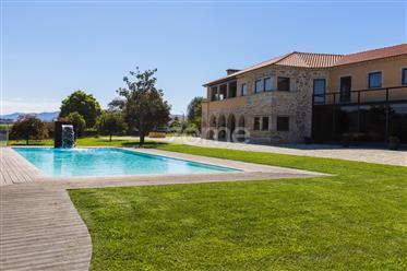 Quinta T4 de luxo com piscina em Barcelos