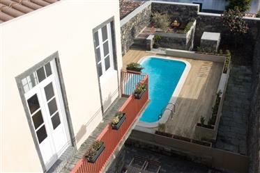 Дом : 300 м²