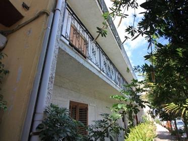 Sardegna Posada - Appartamento al primo piano vicino ai servizi