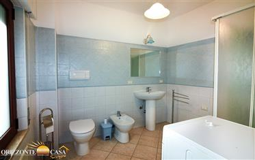 Sardegna La Caletta – Appartamento quadrivano con 2 servizi a 100 metri dalla spiaggia