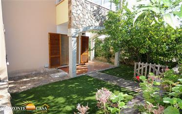 Sardegna Budoni – Bilocale piano terra con giardino a Limpiddu