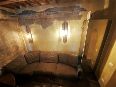 Appartement De Caractere Renove Au Centre De Florence
