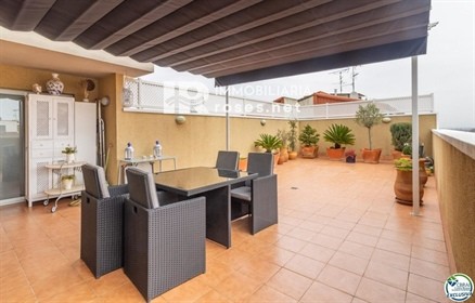 Flat - Apartment for sale in Figueres, with 1,184 ft2, 3 rooms and 2 bathrooms, Lift and A