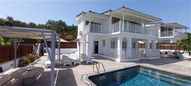2 Bedroom Sea-View Villa with private pool