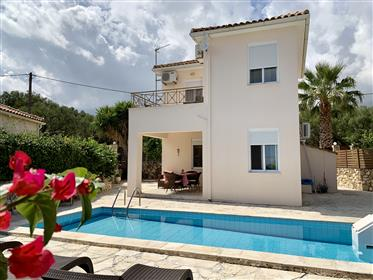 2 Bedroom Villa with pool and sea-view