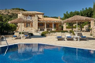 Seaside complex with 2 Tuscany style villa's for sale
