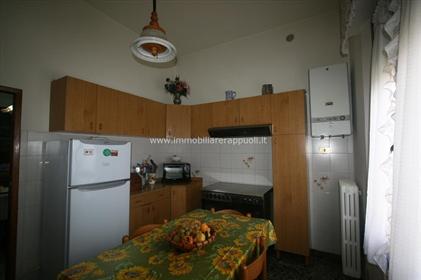 Torrita vendesi appartamento di mq 113 con ingresso indipe