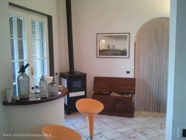 Val D' Orcia vendesi splendido casale in pietra e mattoni