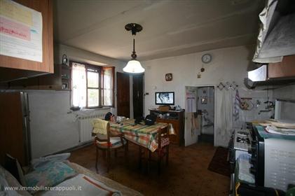 Torrita vendesi terratetto in posizione collinare con vist