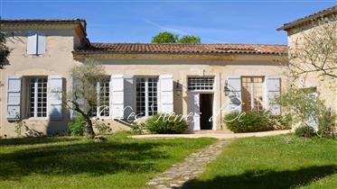 Sublime Propriété  Du Xviii°  Avec Chartreuse - Maison D'ami...