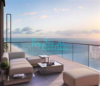 Last Unit  Beach front Pay 20% and move in
