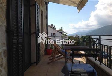 Apartment 110m2 in a complex with a swimming pool on the first line in Krasici