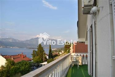 House with excellent views of the entire Tivat Bay in Krasici
