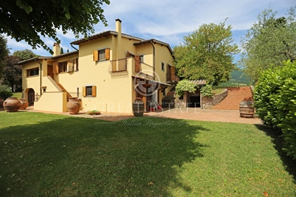 """Exclusive villa for sale in Tuscany, Cetona """"Colle Paradiso"""". The property enjoys a uniqu"""