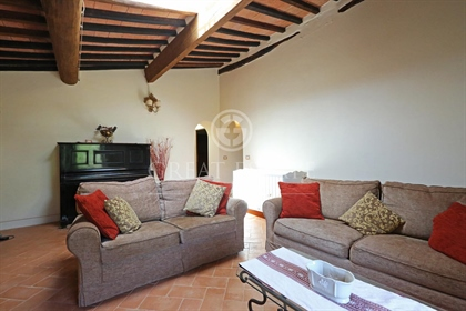 Casale Cetona Country Chic is located just a stone's throw from Cetona and consists of six