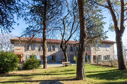 This beautiful agricultural estate includes a typical Tuscan...