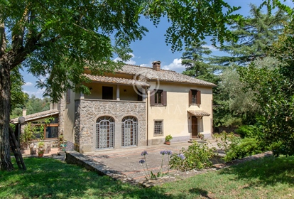 Exclusive property for sale in the municipality of Viterbo located a few km from the histo...