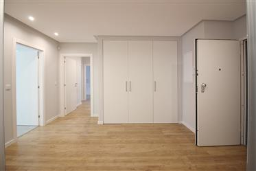 Apartamento T3 a estrear, Queijas