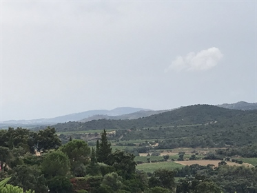 The Londe of the Moors, 5ha grond