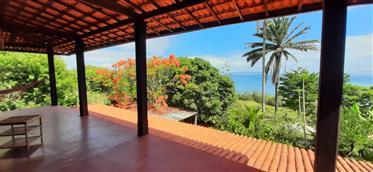 Lindo Sítio na beira do Mar a Venda na Paradisíaca Ilha de Itaparica-BA, no Brasil