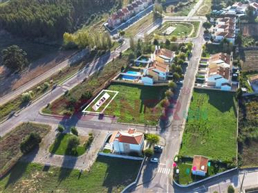 Lote com infraestruturas para construção de moradia, V4/V5