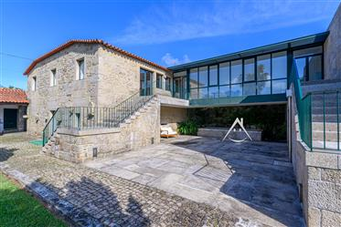 House: 270 m²