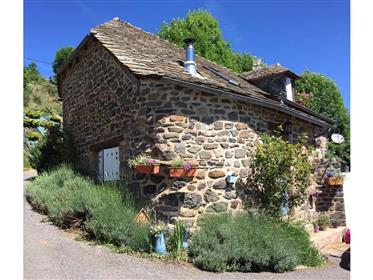 Charming typical stone house in the heart of Aubrac