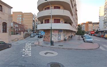 Zone Callejones Perchel, coin local Vialia 100m2.