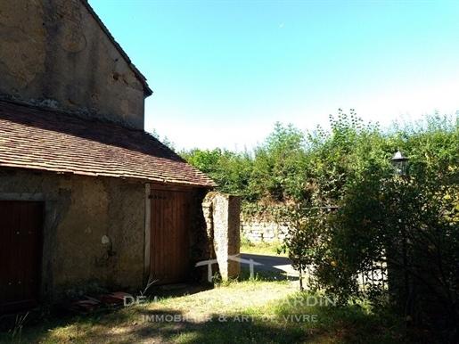 Ensemble atypique : longere + moulin a renover (233200eur l'e...