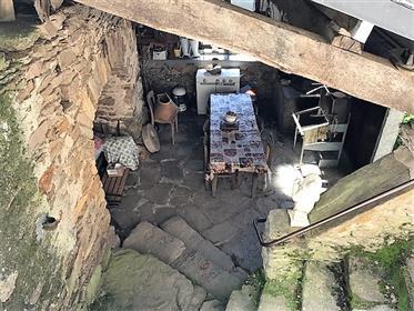 Maison aveyronnaise en pierres avec jardin