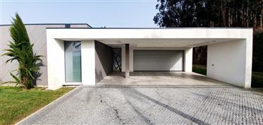 Individual House T4 Ponte - Prazins