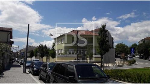 Moradia Isolada T6 Duplex no Coração da cidade de Guimarães