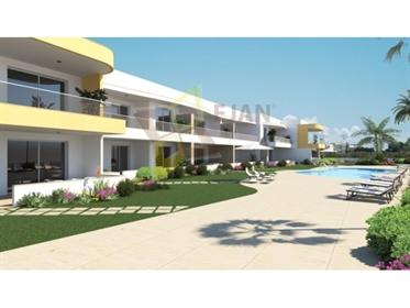 Apartamento T4 em Condomínio de Luxo com Piscina em Lagos