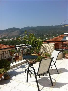 Traditional House Kalamata Historic Centre with Private Garden ,2 Bedroom in 95 sqm house, 480 sq. M