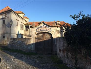 Quinta Venda do Pinheiro  com  Capela