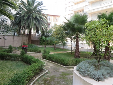 Flat in the center of Nice with parking