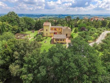 Casciana Terme,casale toscano con  parco e piscina