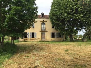 South Gers, side Toulouse 55 minutes; 20km from Lombez; View...