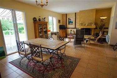 10 km from Sarlat Périgourdine House with its pretty park an...