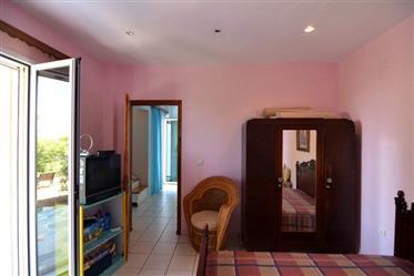 Vivenda: 150 m²