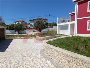 Quinta / Moradia T5 isolada com piscina