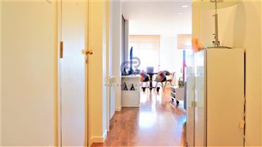3-Bedroom apartment, top floor, Private condominium in Matosinhos south