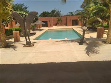 Grande villa avec piscine a vendre