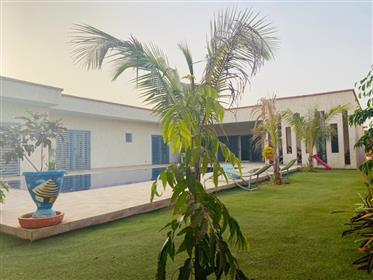 Villa a vendre a Nguerigne avec piscine
