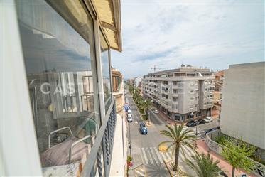 Atico near the beach with potential