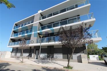 Penthouse T3 en cours construction 120m2 de terrasse Faro Mo...