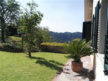 Villa moderna in vendita vicino a Lucca